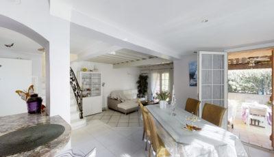 Maison de 90m² à Saint Raphaël 3D Model